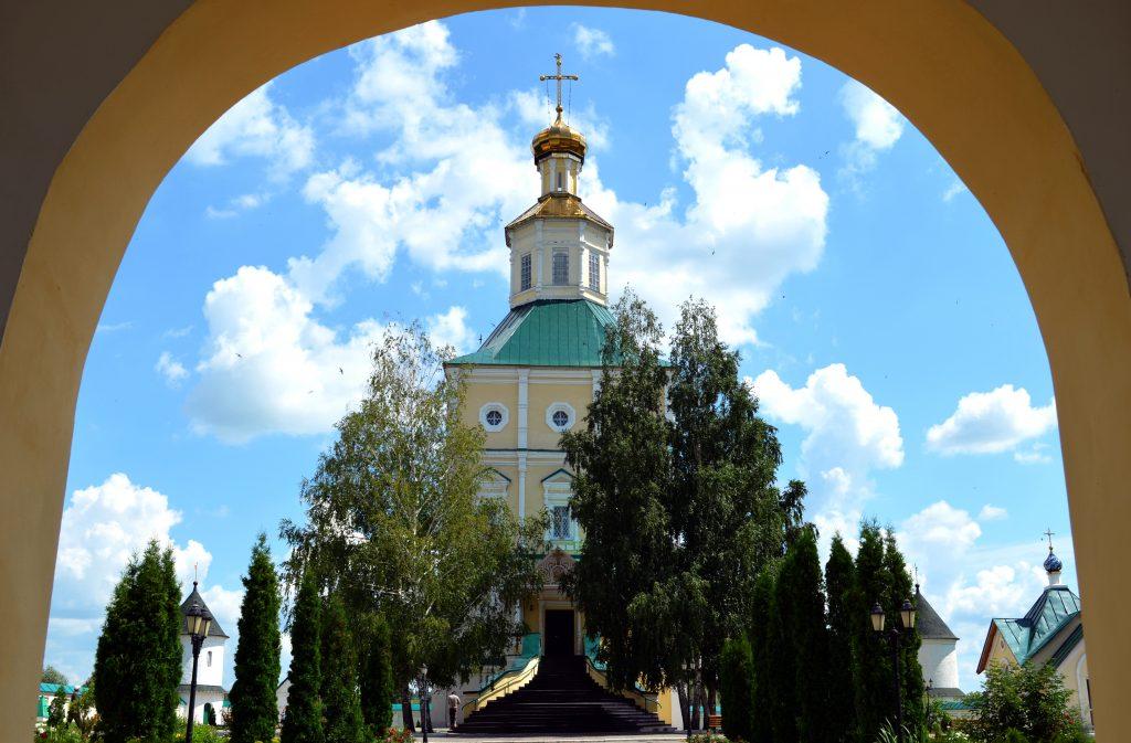Макаровский монастырь